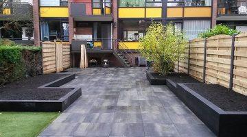 eindresultaat-tuin-met-betontegels
